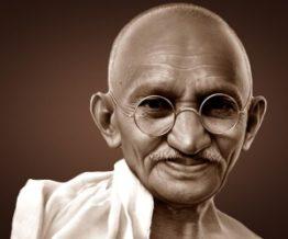 Mahatma Gandhi bald Indian leader