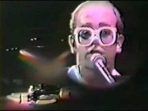 Elton John – Bald Musican