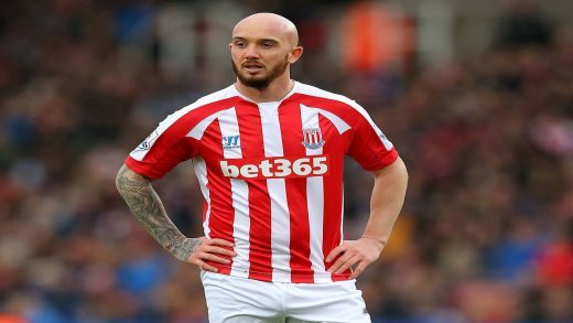 Stephen Ireland premier league football player that wore a wig