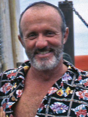 Jonathan Banks balding with Beard 1995