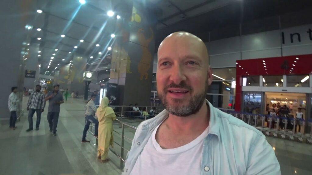 Youtuber Bald and Bankrupt